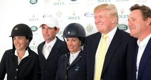 De gauche à droite : Brianne Goutal (USA), Darragh Kenny (IRL), Laura Kraut (USA), Donald Trump et Mark Bellissimo (© X. Boudon / Pixizone.com)