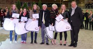 Les meilleurs clubs normands participant au spectacle récompensés lors du séminaire annuel du COREN au Pôle international du Cheval de Deauville (© COREN).