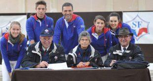 Le jury et une partie des candidats au Championnat Young Breeders 2015 (© Studbook Selle Français)