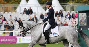 Ingrid Klimke et Weisse Duene prennent la tête dans les 7 ans (© Mondial du Lion / Solène Bailly)